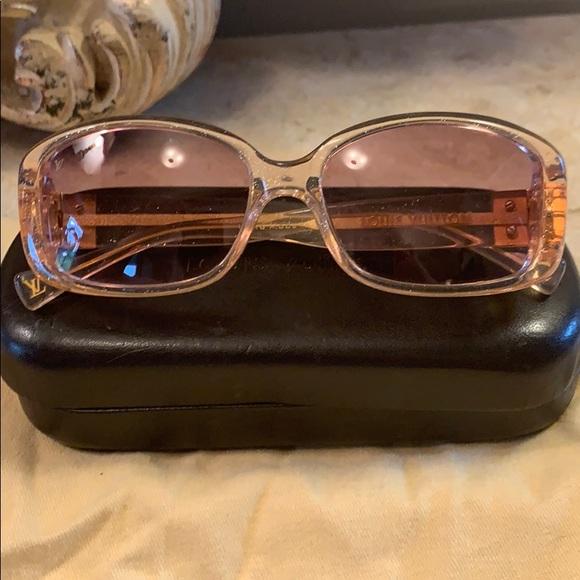 Louis Vuitton Accessories - Louis Vuitton Glitter Obsession Carre sunglasses